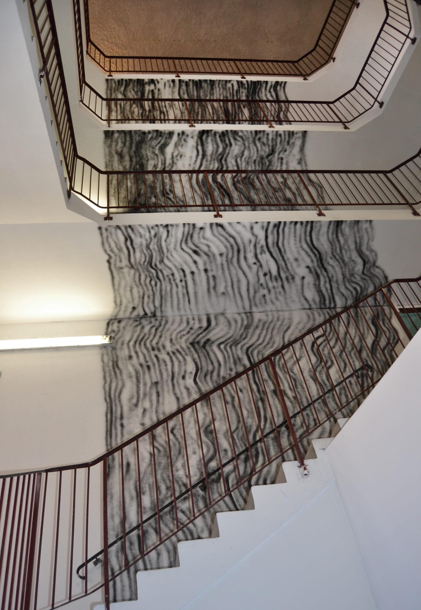 Peinture Escalier Noir Mat in-situ | julien nicolas artiste plasticien